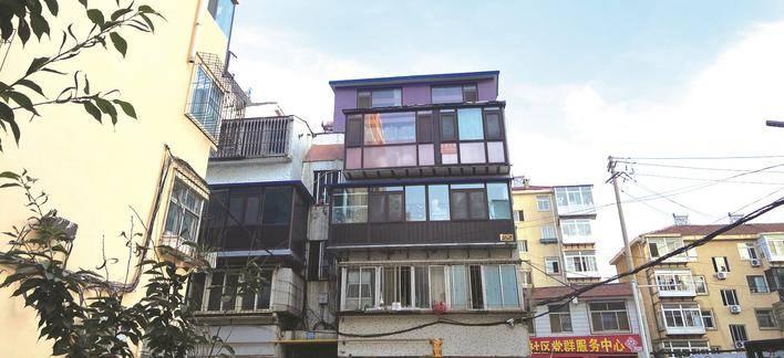 """四眼桥街三层居民楼 变""""四层""""街道办事处:9月底前将完成拆除"""